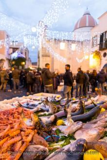 Vigilia di Natale e mercato del pesce a Forio isola d'Ischia